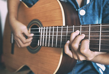 5 questions about playing the guitar