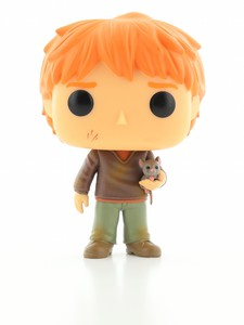 Funko Pop Harry Potter Ron Vinyl Figure with Scabbers