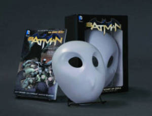 Batman: The Court of Owls Mask and Book Set