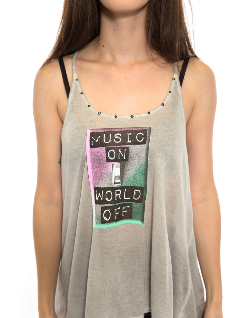 Music On World Off Sil Women'S L