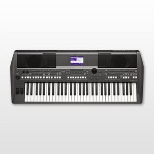Yamaha S670 61-Key Digital Keyboard