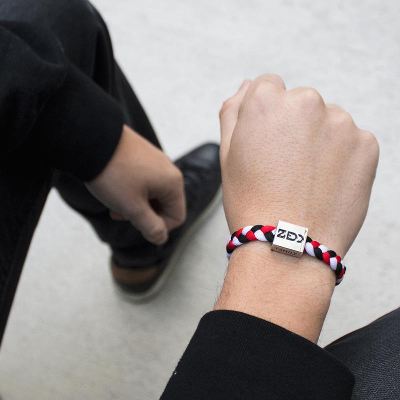 boutique officielle outlet Acheter Authentic Electric Family Zedd Red/Black/White Bracelet