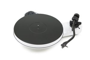 Pro-Ject RPM 3 Carbon [2M Silver] Turntable White