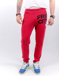 Freecity Large Featherweight Artyard Red Sweatpants