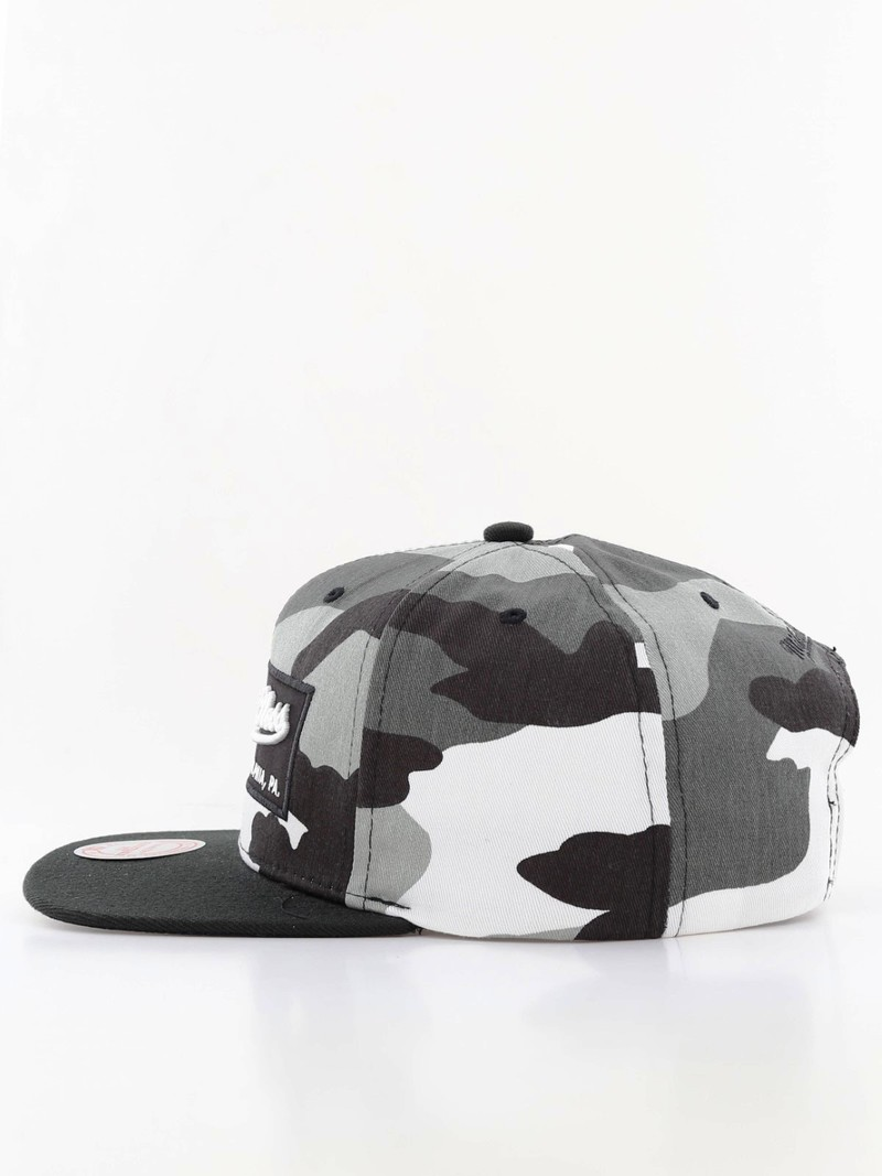 ... Mitchell   Ness M N Box Logo Snapback Men s Cap Urban Camo 4e581a7bb05