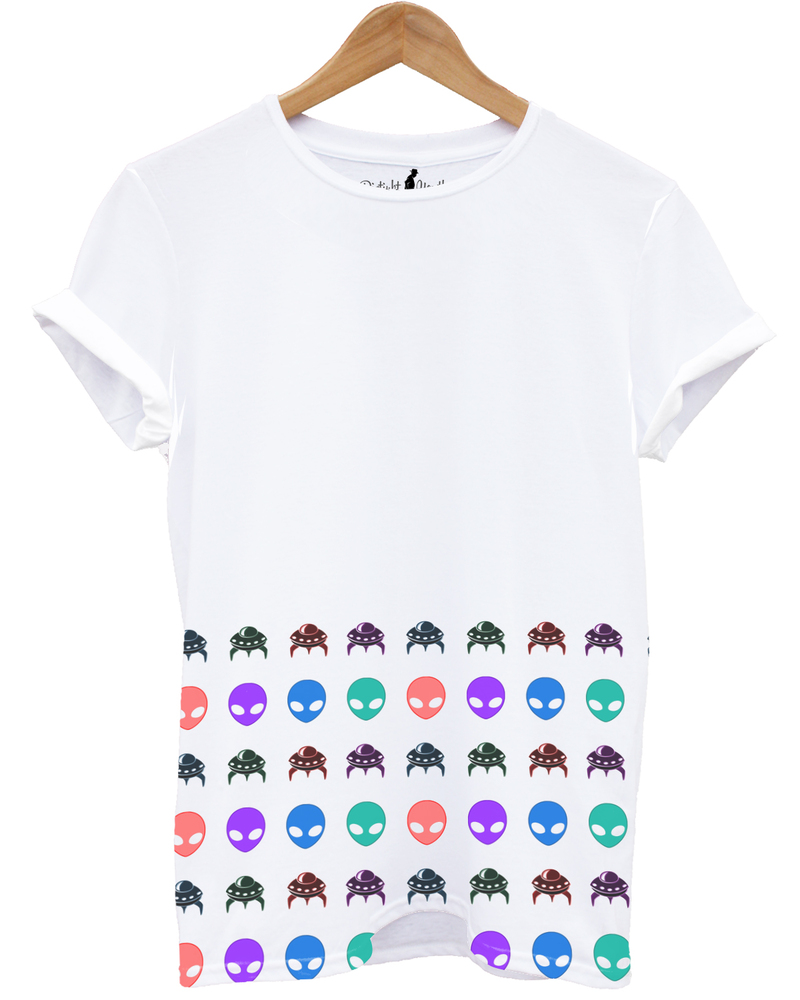 Distinkt Youth Alien Spaceship Half Print White Unisex T-Shirt Xl