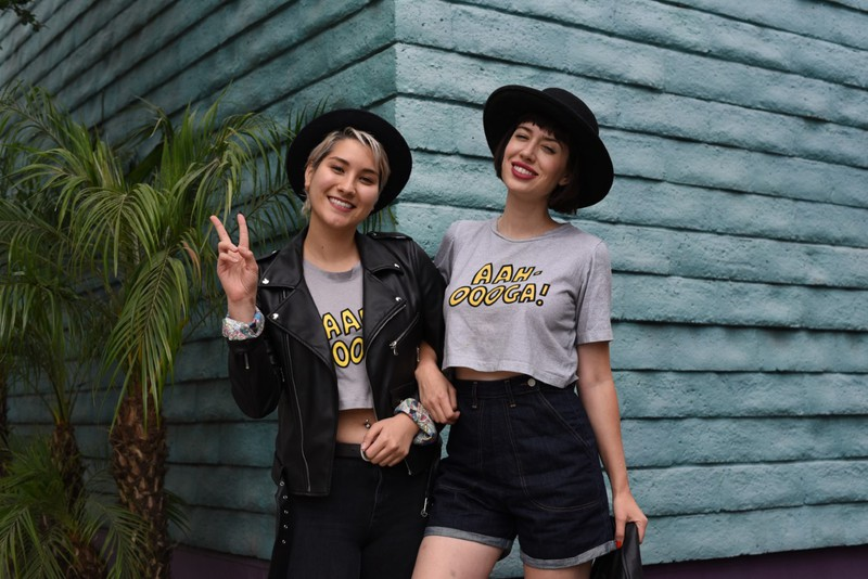 Betty & Veronica Aah Oooga Cropped Heather Gray T-Shirt Grey/Yellow