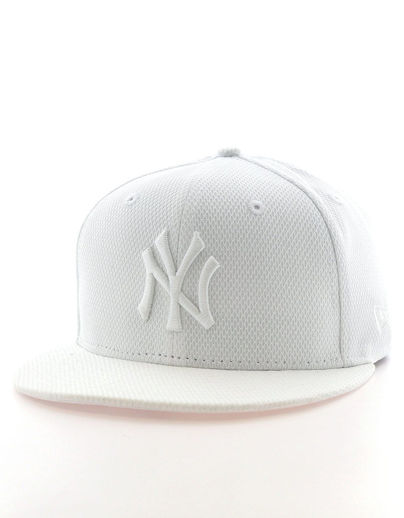 New Era Diamond Era Ess NY Yankees Optic White Optic White Cap ... a63258c867c8