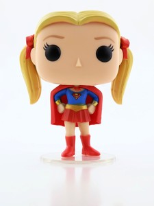 Funko Pop F.R.I.E.N.D.S Pheobe As Supergirl