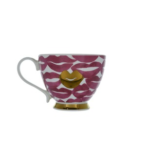 Candlelight Footed Mug with Lips Design