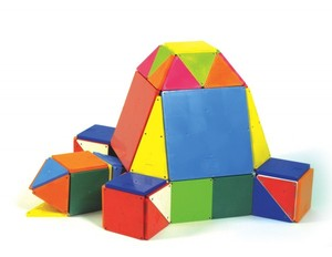 Magna-Tiles Solid Colors 100 Piece Building Set