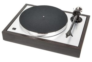 Pro-Ject The Classic [2M Silver] Turntable Eucalyptus