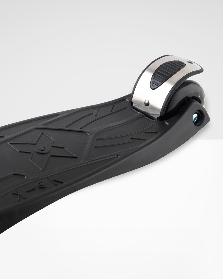 Maxi Micro Scooter Black W/T?Bar ?