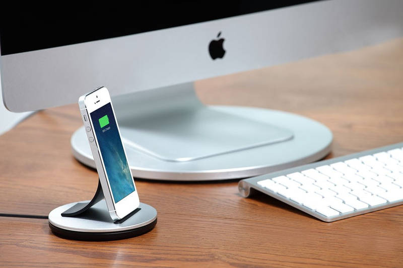 Just Mobile Alubolt Deluxe Dock