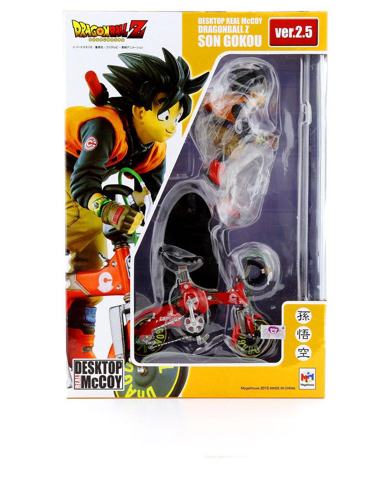 Desktop Toys For Grown Ups : Megahouse desktop real mccoy dragonball z son goku version