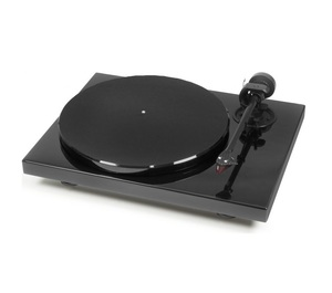 Pro-Ject 1Xpression Carbon 2M Turntable Piano