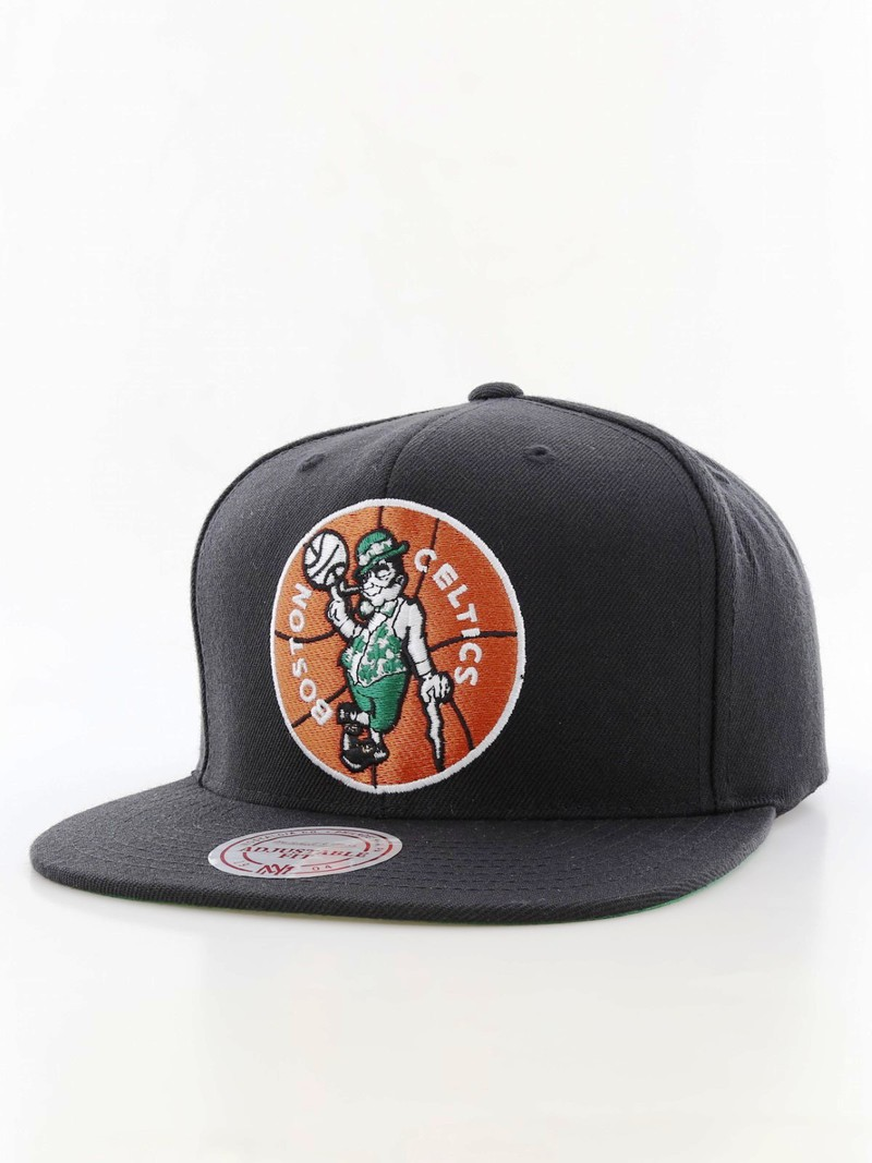 Mitchell   Ness Boston Celtics Wool Solid Snapback Men s Cap Black ... 6dd0c643f998