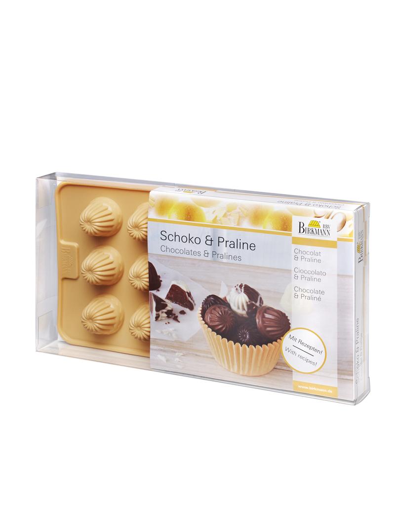 Chocolate Praline Bundt Cake
