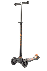 Maxi Micro Deluxe T-Bar Scooter Black