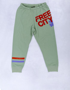 Freecity Strike Sounds 3/4 Lots Of Legs Green Sweatpants